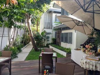 Baan Noppawong garden