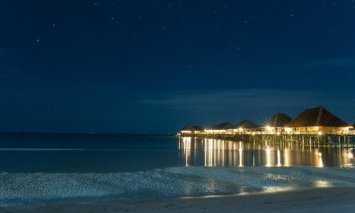telunas-beach-resort at night